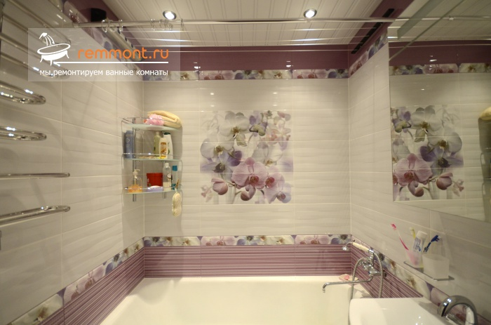 Плитка в ванную комнату с декором дизайн