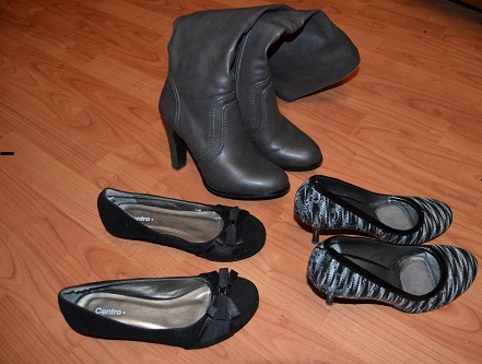 Продам обувь разрем 35-36 в отличном состоянии.