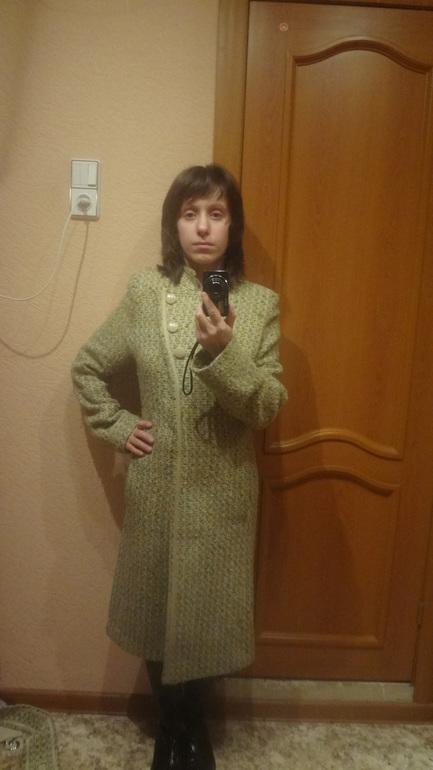 Отдам женское, одежда- размеры 40-48, обувь - 36-37. Братиславская.