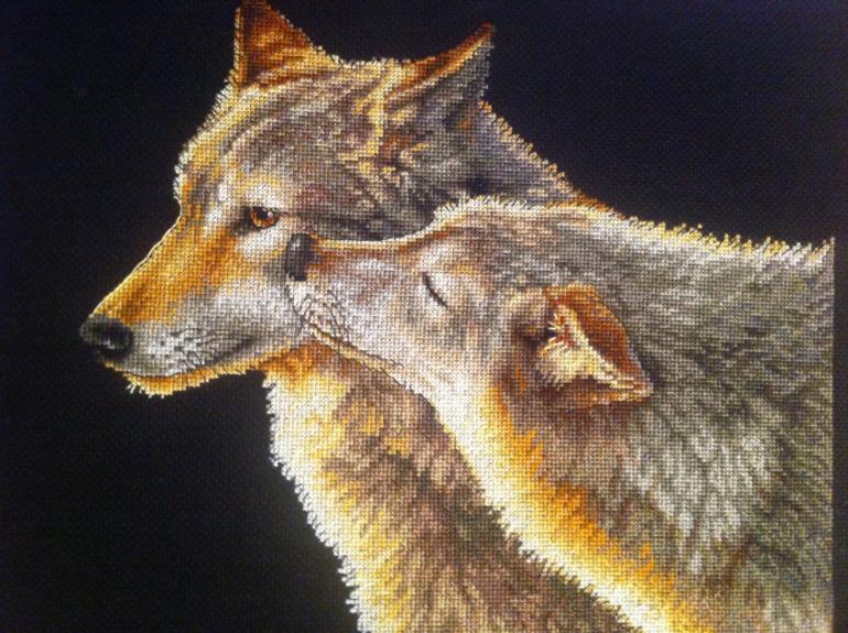 Вышивка крестом счастливая пара волки