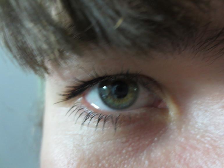 Цвет глаз непонятный
