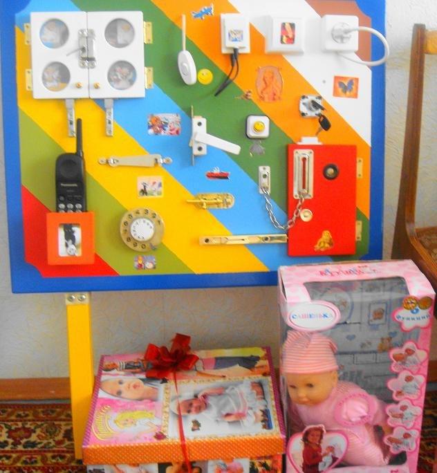 Развивающие игры для детей от года своими руками фото