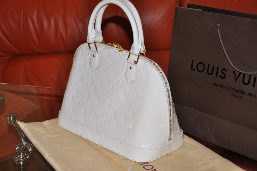 Распродажа женских сумок - купить брендовую женскую сумку