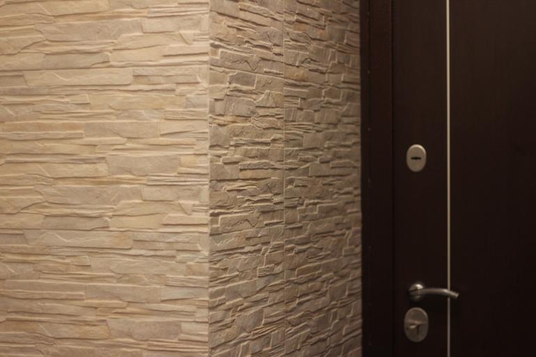 белые двери и светлый пол в интерьере 770 x 513 · jpeg