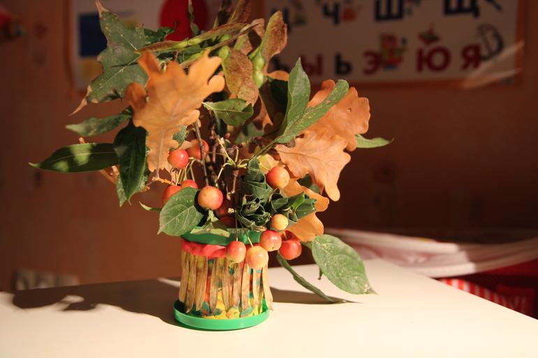 Осенний букет из даров природы в