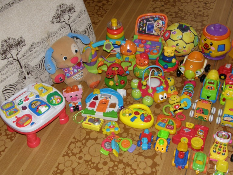 Какие игрушки покупать ребенку в 6 месяцев фото