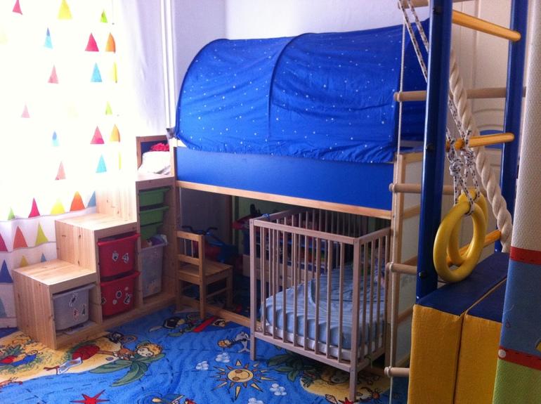 Обновили детскую и спальню