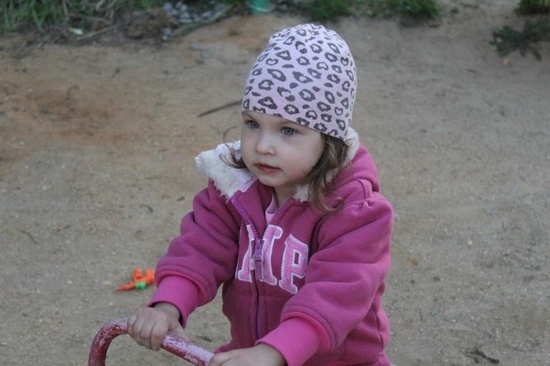 Доченька Ева(немного фото)...