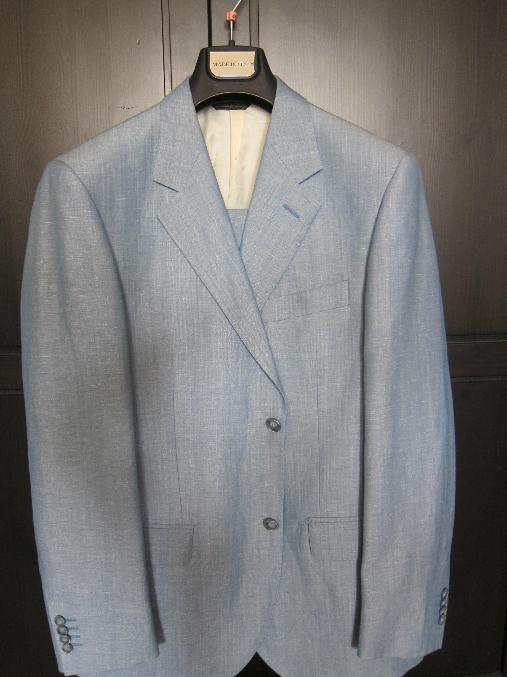 Продам мужской костюм Henderson 2500 рубл