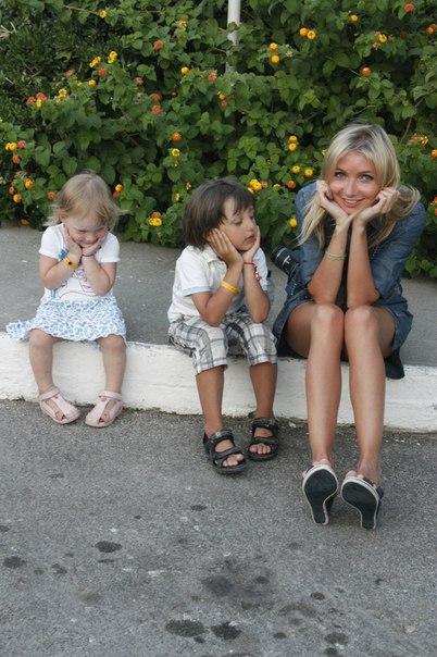 Отдых в Греции . Маленькие они же такие прикольные :)))