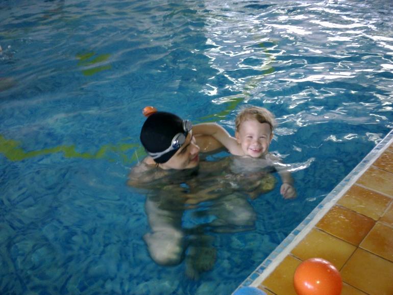 падежа занятия в бассейне с грудничками волгоград Лавров посвятил