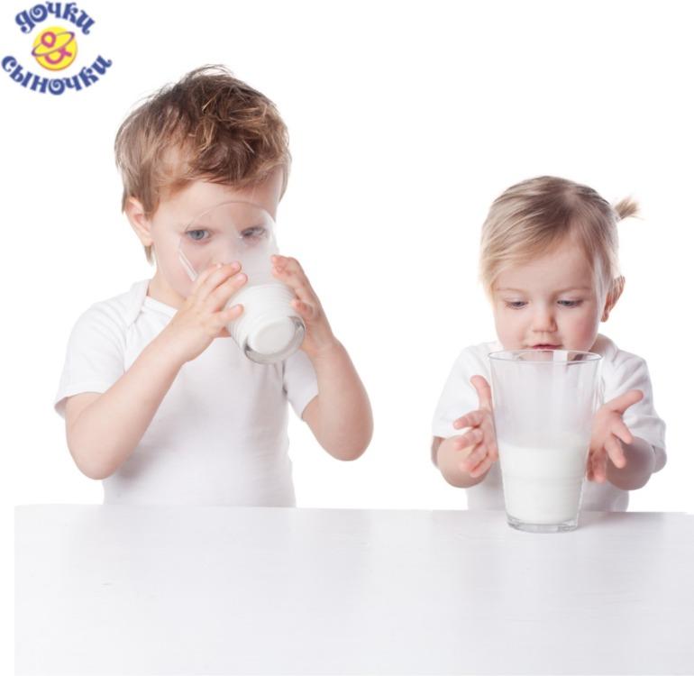 Пил молоко из своей руки